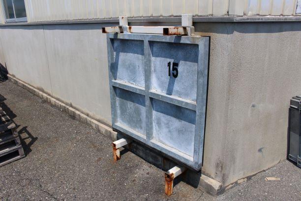 工場 ドア 浸水防止対策2